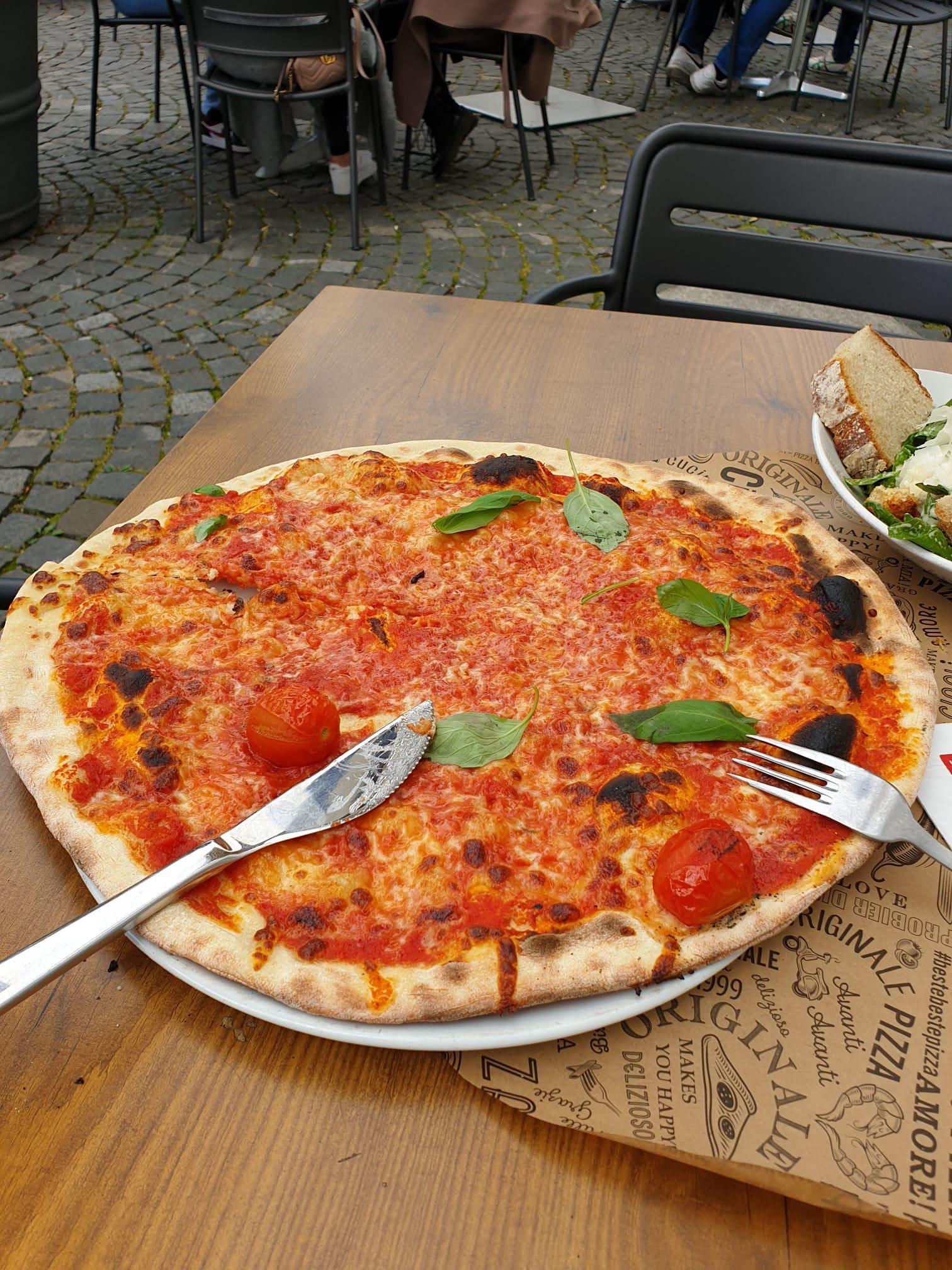 Pizza at L'Osteria